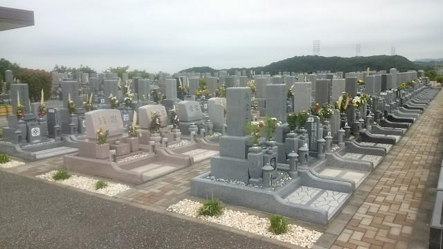 お盆にはたくさんの方々がお墓参りにお越しになられました。